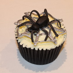 Halloween cupcake - Silver Spiders Web