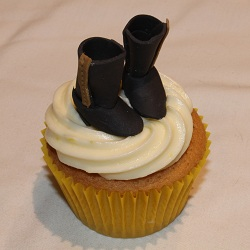 Black boots cupcake